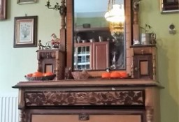 Komoda z lustrem w stylu eklektycznym