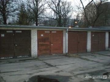 Garaż murowany MAGAZYN 18m2 Ochota GRÓJECKA prąd ŚWIATŁO