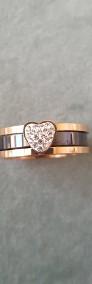 Nowy pierścionek komplet zestaw dwa pierścionki obrączka różowe złoto czarny-3