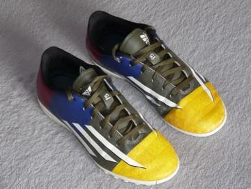 Buty sportowe Adidas do piłki nożnej dla chłopca rozm. 36 tanio
