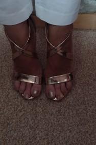 (40) Wytworne sandałki wieczorowe/ szpilki z Londynu/ różowe złoto/ NOWE-2