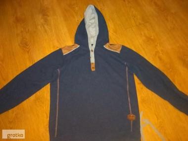Młodziezowa bluza z kapturem-1