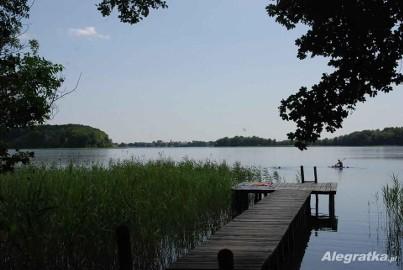 Domek nad jeziorem Ińsko ( W Ińskich Parkach Krajobrazowych )