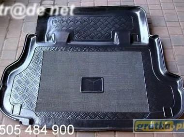 NISSAN TERRANO II 5d od 1993 mata bagażnika - idealnie dopasowana; mata z możliwością montażu siedzeń Nissan Terrano-1