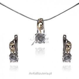Komplecik biżuterii srebrnej pozłacany z białą cyrkonią