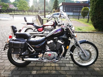 Suzuki Intruder VS 800