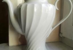 Porcelanowy imbryk bez pokrywki