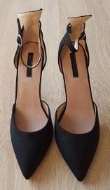 Nowe czarne buty szpilki Lost Ink 39 matowe pasek na kostce zamsz