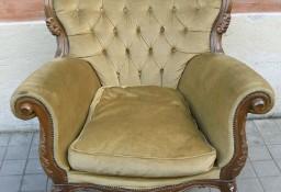 Duży antyczny fotel uszak