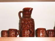 Ceramika komplet - dzbanek + 6 kufelków
