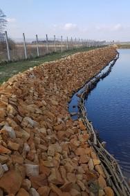 Kamień na oczko wodne staw skarpy stawu -2