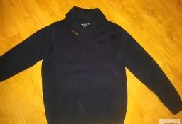 Swetr firmy Industrialize
