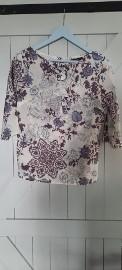 Bluzka Echo Made in Poland rozm 42(L) z żabotem i kwiatem bawełna 100%