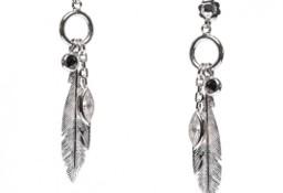 Srebrna biżuteria kolczyki piórka z czarnymi i białymi cyrkoniami