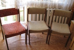 Stare, solidne, drewniane krzesła tapicerowane PRL 3 szt