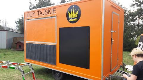Oklejanie food truck renowacja - jak nowy