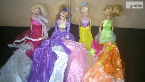 4 lalki z 12 sukienkami