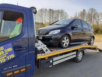 Pomoc drogowa  Włoszakowice,Transport aut, laweta, Holowanie, Transport maszyn rolniczych i budowlanych do wagi 2700 kg.