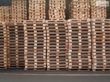 Ukraina. Skrzynie, opakowania europalety drewniane. Od 5 zl/szt. Deski