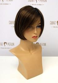 Peruka półdługa z włosa syntetycznego w odcieniu brązu Szydłowiec
