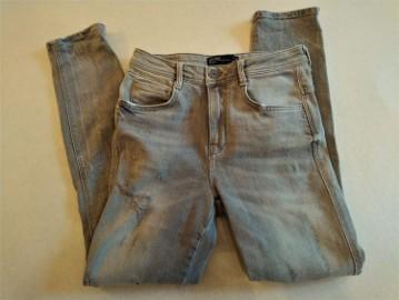 Szare jeansowe spodnie rurki Zara 34