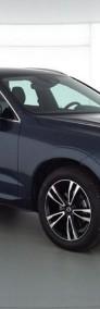 Volvo XC60 II Momentum Pro B4 Mild Hybrid Benzyna 197 + 14 KM AT-3