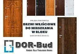 Drzwi wewnątrz-klatkowe do mieszkania w bloku