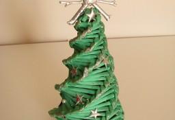 Mała zielona choinka ze srebrnymi dodatkami 26 cm świąteczny stroik