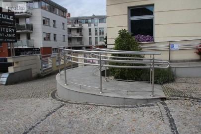 Podjazdy, rampy dla niepełnosprawnych
