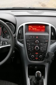 Opel Astra J-2