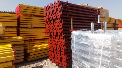 Stemple budowlane Podpory Dźwigar H20 Szlunek stropowy Hurtownia Sklejka