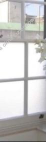 Zasłaniamy okno w łazience -Co na okno łazienkowe? Folkos folie matowe i dekoracyjne Oklejanie szyb Warszawa i okolice-4