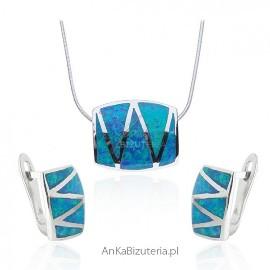Komplet biżuterii z niebieskim opalem