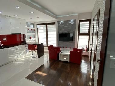 Luksusowy, w pełni wyposażony, 2pok. apartament z dużym tarasem-1