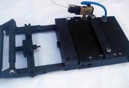 Podajnik pneumatyczny do podawania blachy-taśmy-drutu - łatywy montaż