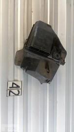 Obudowa filtra powietrza Passat B5 1.8 058133837E