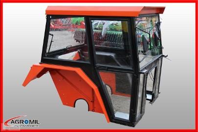 Kabina ciągnikowa do ciągnika C 360 C360 z błotnikami bez błotników kabiny