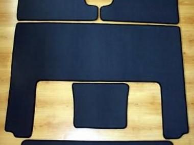 Kia Carnival II 2002 - 06.2006 3 rzędy najwyższej jakości dywaniki samochodowe z grubego weluru z gumą od spodu, dedykowane Kia Carnival-1