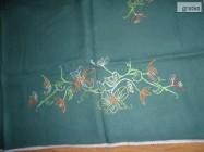 obrus recznie haftowany