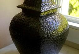 Czarna elegancka waza z pokrywą