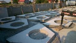Przyczółki betonowe ścianki czołowe przepustu drogowego