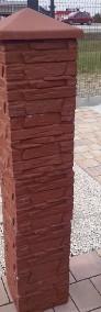 Daszek mały na słupek ogrodzeniowy z kamienia łupanego 30x30-3