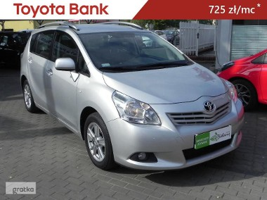 Toyota Verso-1