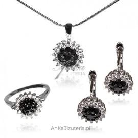 Srebrny komplet biżuterii srebrnej z białymi i czarnymi cyrkoniamii