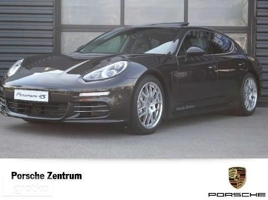 Porsche Panamera 4S-1