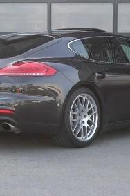 Porsche Panamera 4S-3