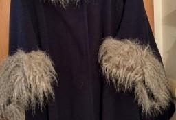 Wytworne, granatowe FUTRZANE PONCZO z futerkiem, płaszcz z Londynu/NOWY