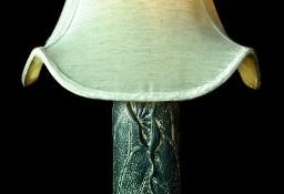 Lampa stolikowa czarna kamienna z jasnym abażurem