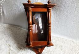 Drewniana skrzynka od zegara wiszącego orzech
