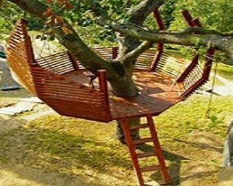 platforma wypoczynkowa na drzewie